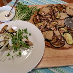 Mushroom and char-grilled vegetable pizza